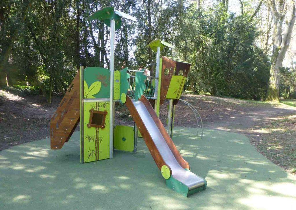 55-aire-jeux-parc-metal